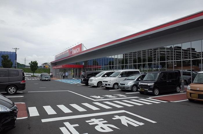 ヤマダ電機駐車場